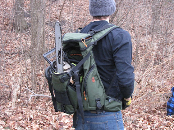 Dakine Builders Pack Review: Easily Holds Your Chainsaw ...