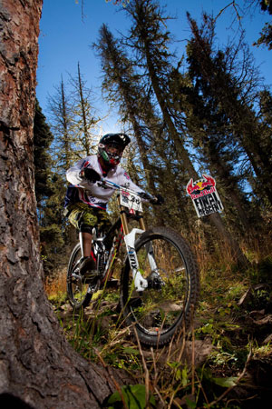 Red Bull Mountain Bike >> Endurance Downhill Racing Red Bull Final Descent