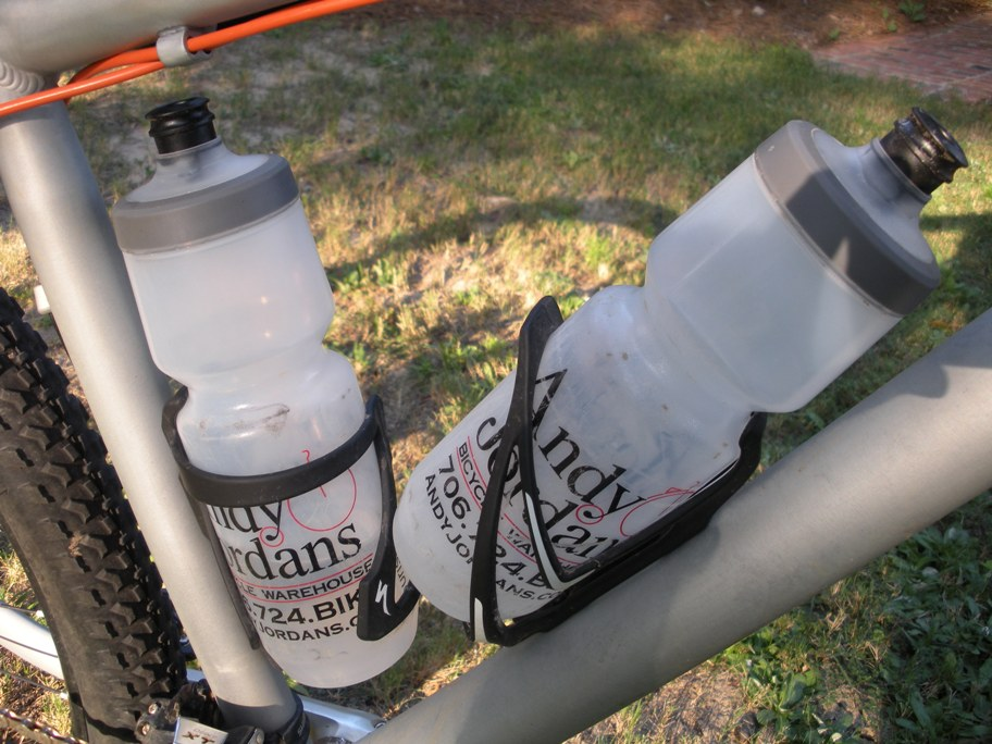Threesome Review Bottle And Cages From Specialized