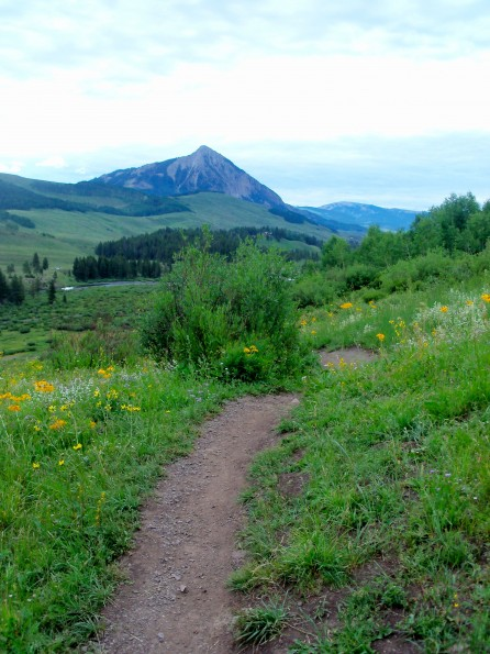 single women in crested butte Check them out at chasingepicmtbcom/crested-  beautiful views of mount crested butte from the 5  rei's women's yoga campout with athleta @ copper mountain.
