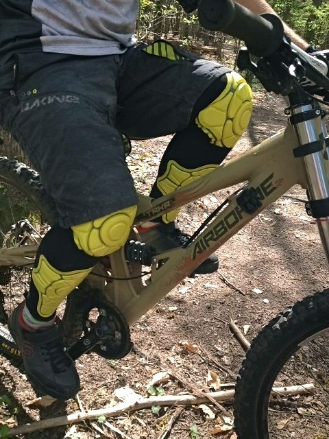 G-Form Knee and Shin Pads Review - Singletracks Mountain Bike News