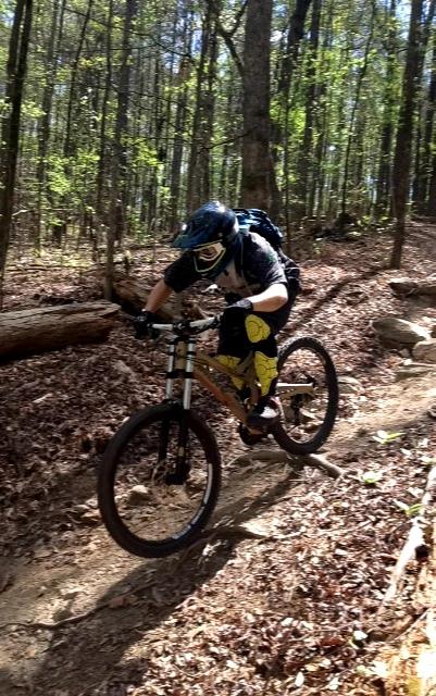 G Form Knee And Shin Pads Review Singletracks Mountain Bike News
