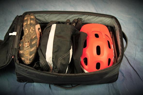 Review Dakine Quest 28l Camera Bag And Dakine Overhead Bag