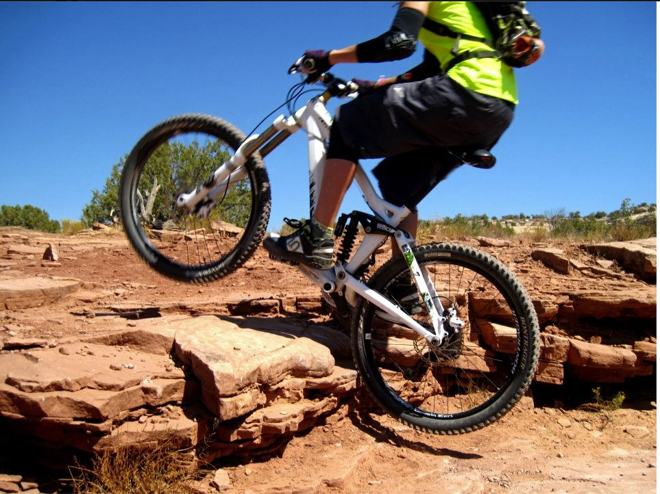 how to choose the best mountain bike shoes singletracks