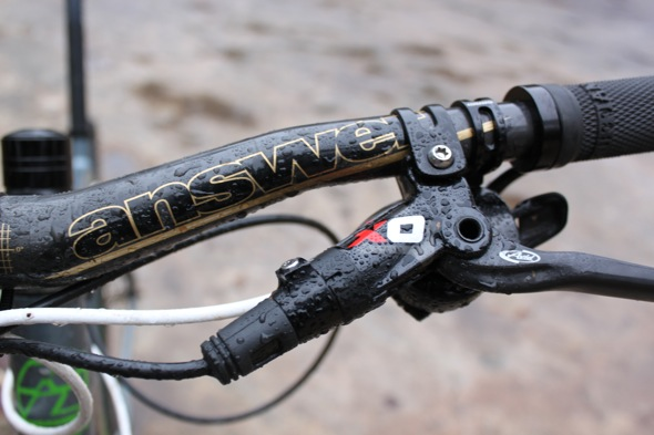 f9dd79182b6 How to Choose the Best Mountain Bike Brakes, a Buyer's Guide ...