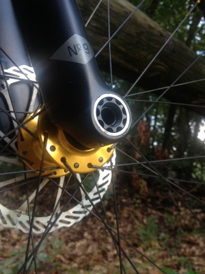 A set screw on the underside of the right dropout keeps the Maxle nut in place on the No.9 fork.