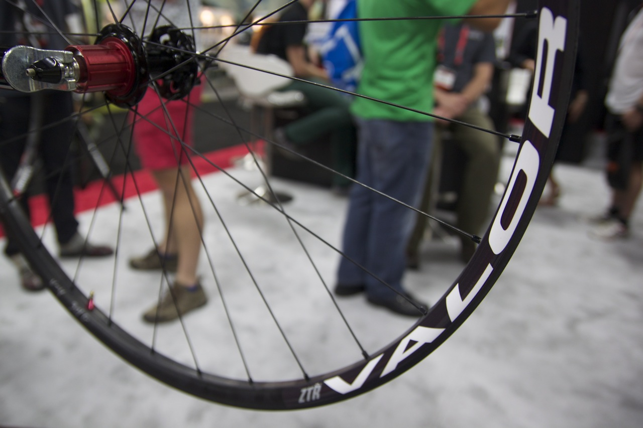Stan S The Man Tubeless Carbon Rims And Fat Bike Wheel Prototype