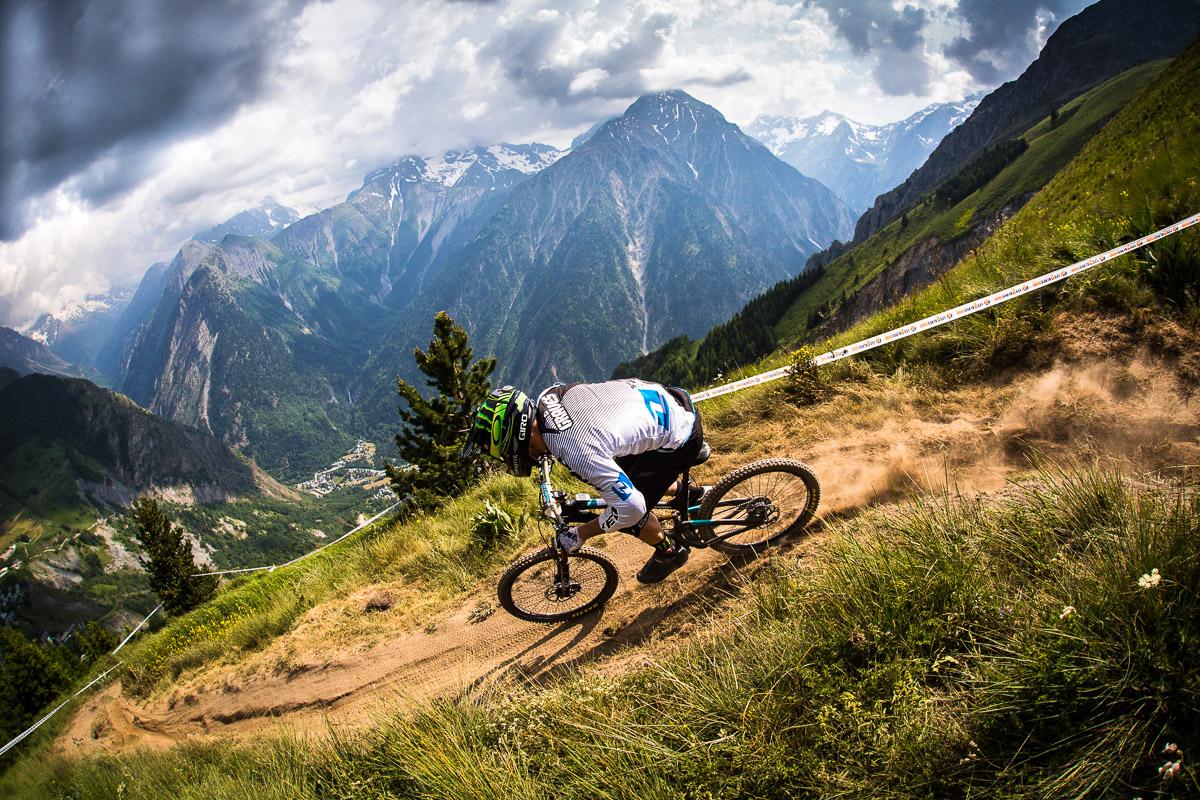 News Yeti Abandons Downhill Racing In 2014 Focuses