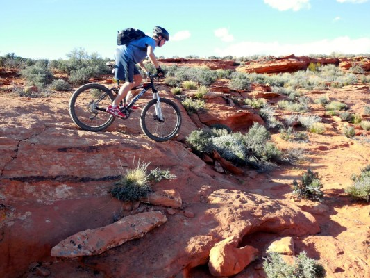 Despite easy proximity to town and a perfect mix of singletrack and slickrock, the Prospector/Church Rocks route remains largely undiscovered.