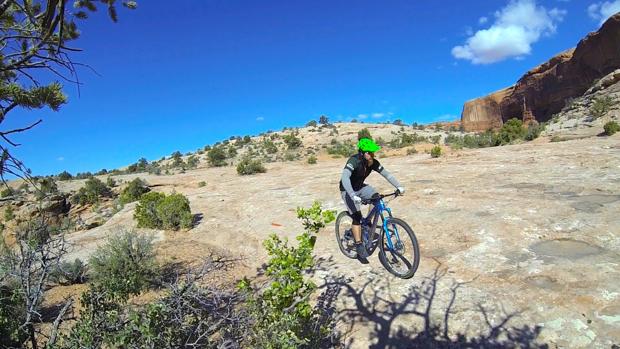 Pedalin' slickrock on the Ramblin' Trail.