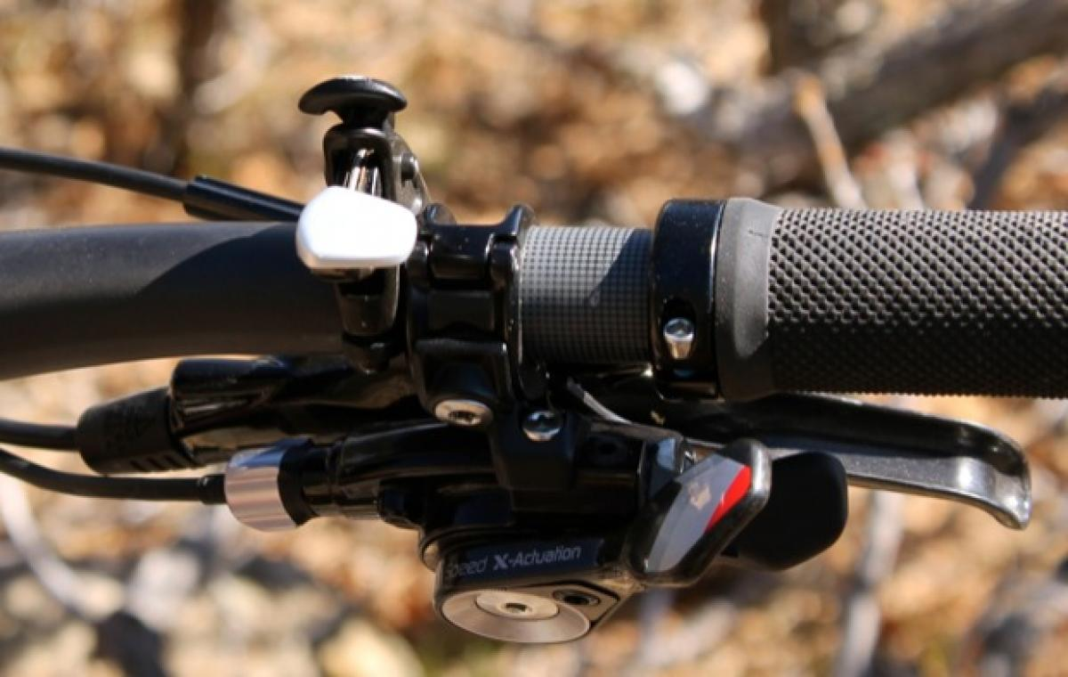 A close up of the Climb/Trail/Descend shifter.