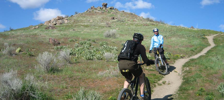 99d4288b6a7 Mountain Biking Basics: Trail Etiquette - Singletracks Mountain Bike News