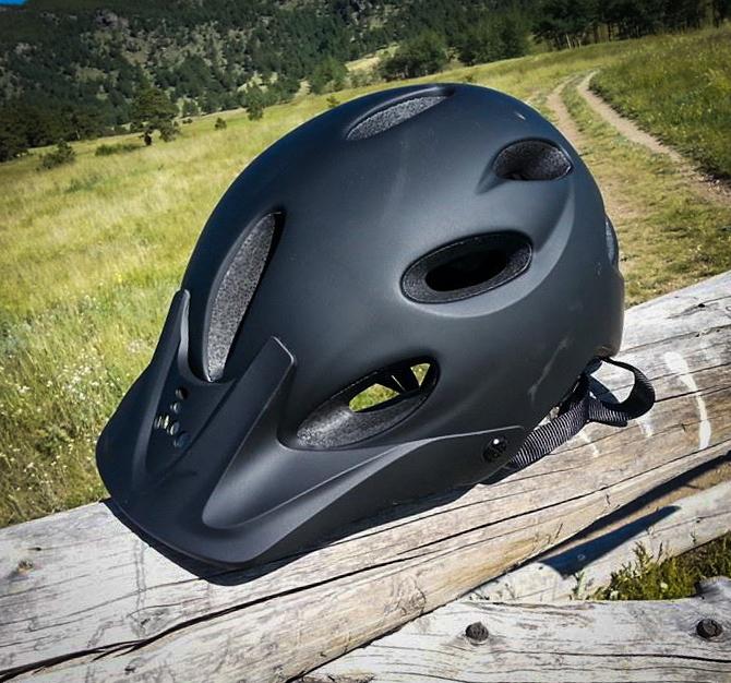 2014-07-28-bike-helmet-triple-8