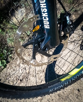 A massive 203mm Shimano XT rotor shows that Trek listens to it's racers
