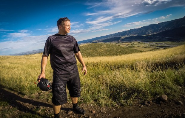 An excellent all mountain getup, the Dakine Descent Jersey paired with the Descent short