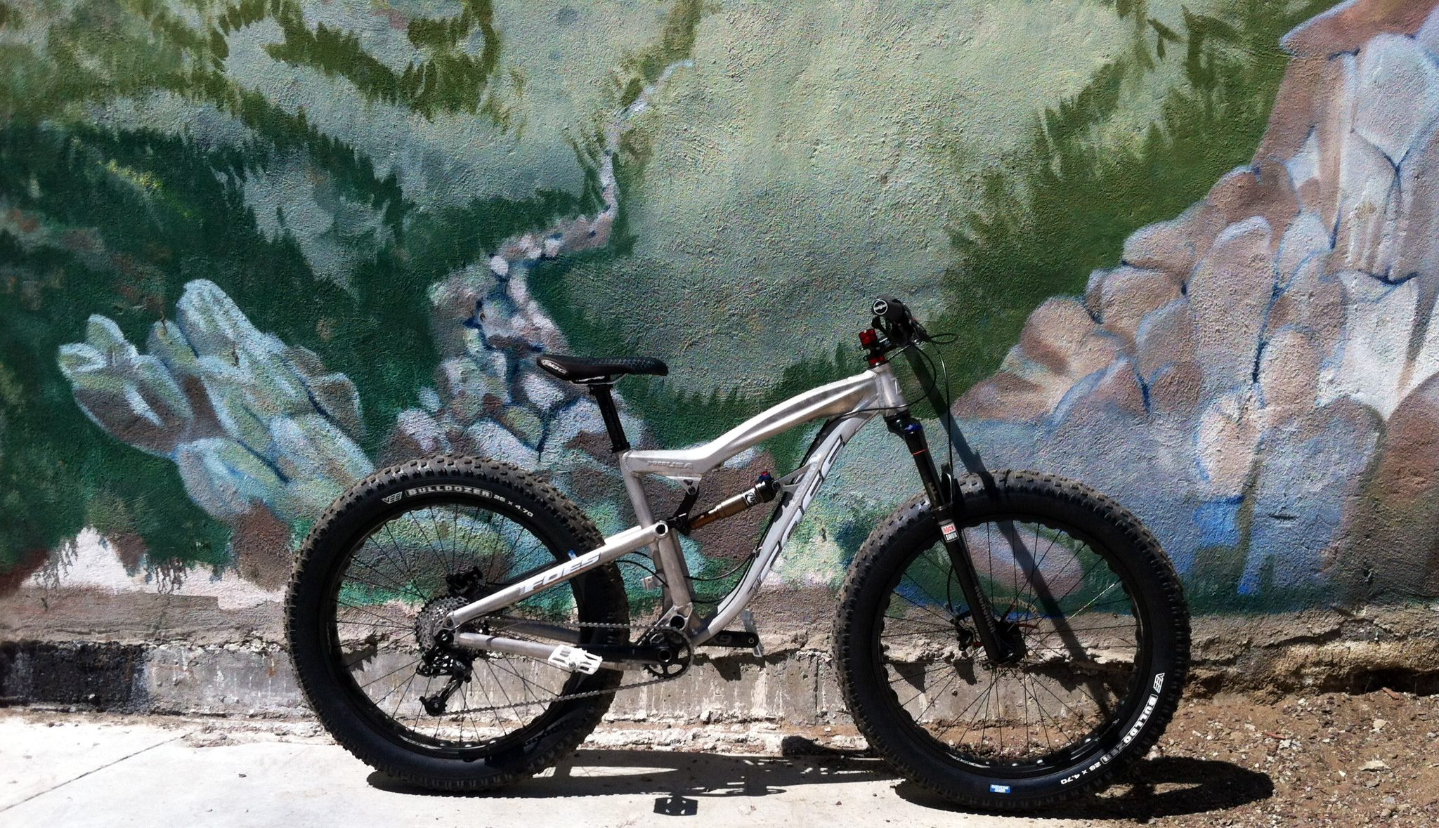 Foes' prototype fat full suspension bike. Photo: Foes Racing USA
