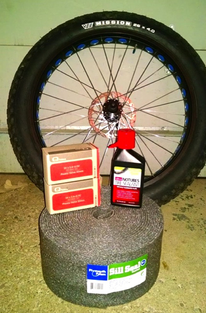 2014-10-20 fat bike tubeless supplies-2