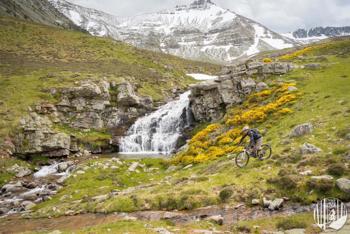 """""""Epic tour at Castile and Leon."""" Trail: Pico Urbion, Montenegro de Cameros, Spain. Photo: trackmtb."""