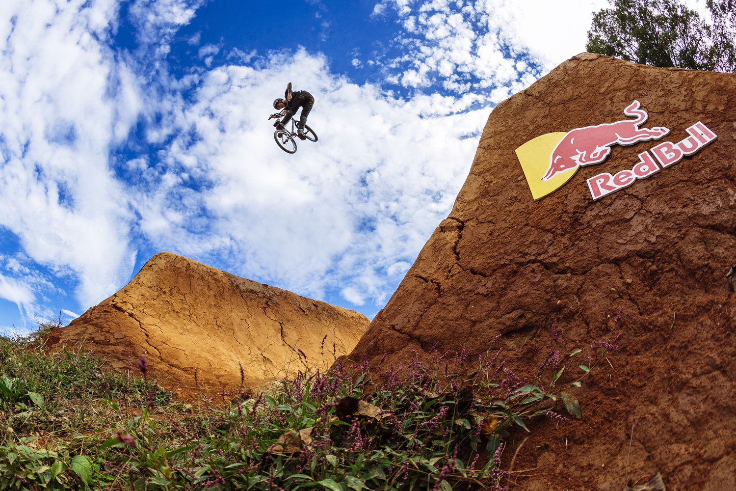James Foster, barspin to turndown© Marv Watson/Red Bull Content Pool