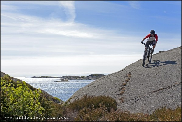 Seaside slick rock riding. Photo: Natasja Jovic Rider: Leo Ranta