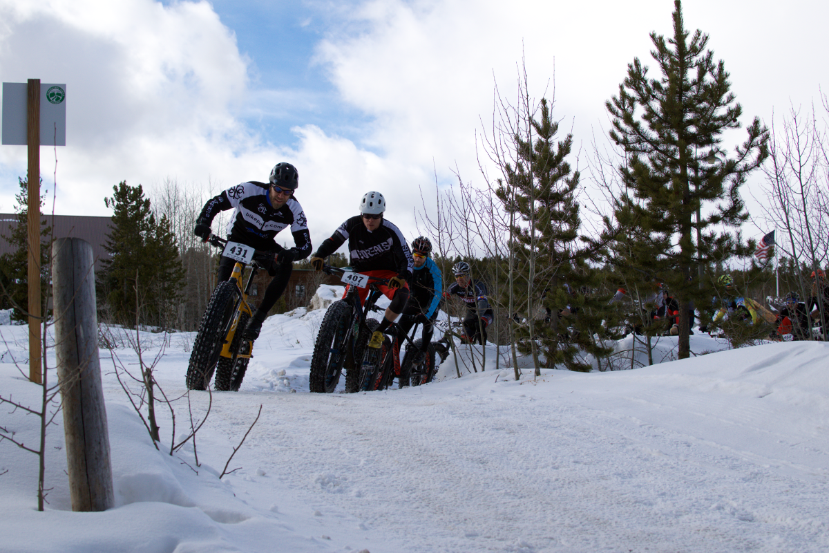 The race leaders turning on to the groomed snow!