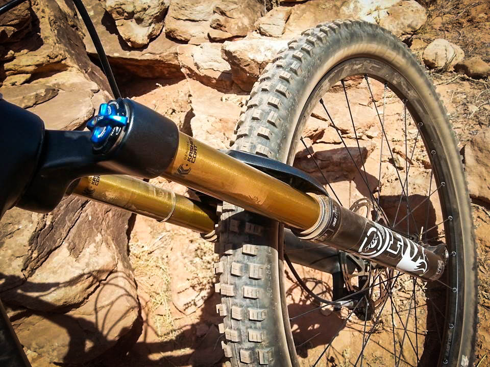 The Fox 32 Float fork is capable, but probably a little under-powered for this type of bike