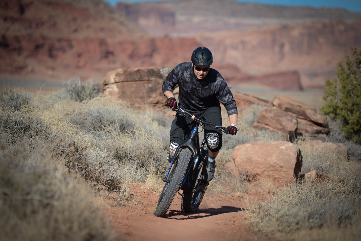 Light and deft, the LES Fat can handle it, whether in Moab, or racing the Arrowhead 135
