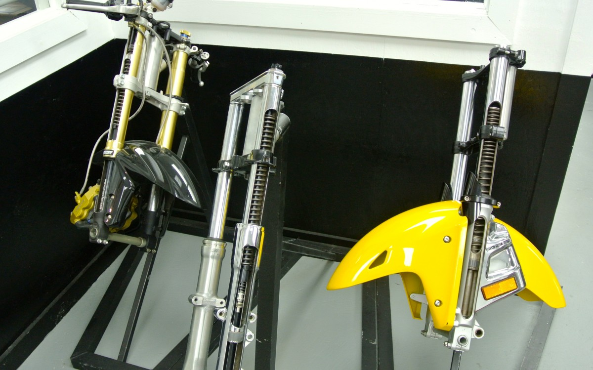 Traxxion Dynamics damper in different motorcycle forks