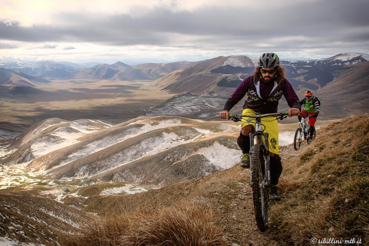 Mountain biking in Italy. Photo: Sergio Barboni.
