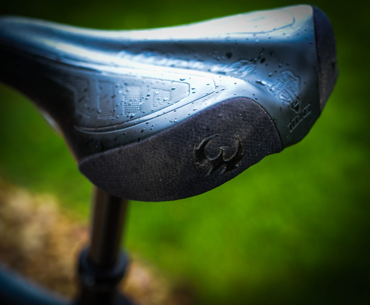Pivot branded Volt team saddle with a few style points. So far comfortable and no complaints.