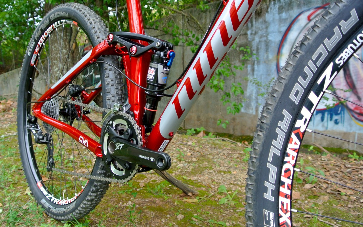 Stan's NoTubes Arch EX wheels and Schwalbe Racing Ralph tires