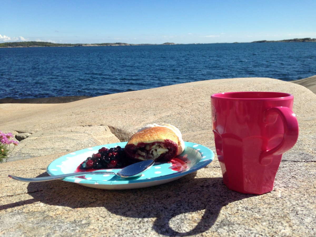 Fika on the seaside = best thing ever