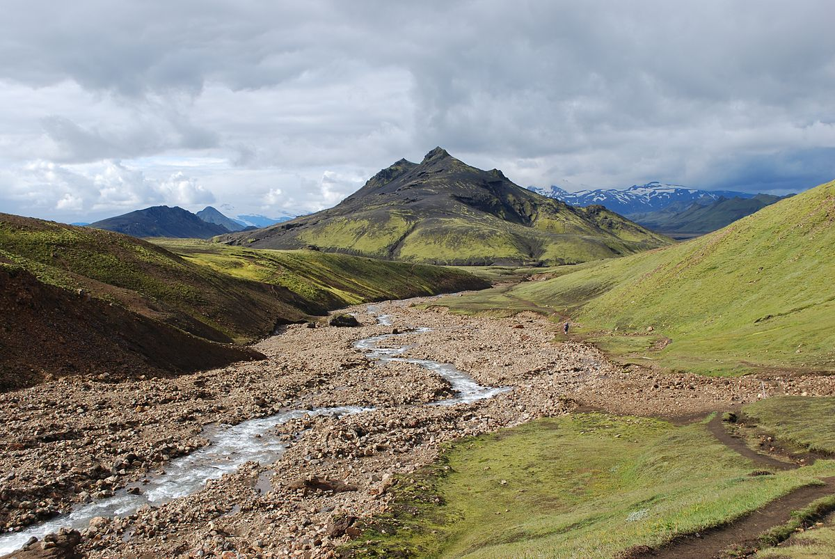 """""""Landscape during Laugavegur hiking trail 2-CA reduced"""" by Chmee2/Valtameri - Own work. Licensed under CC BY 3.0 via Wikimedia Commons."""