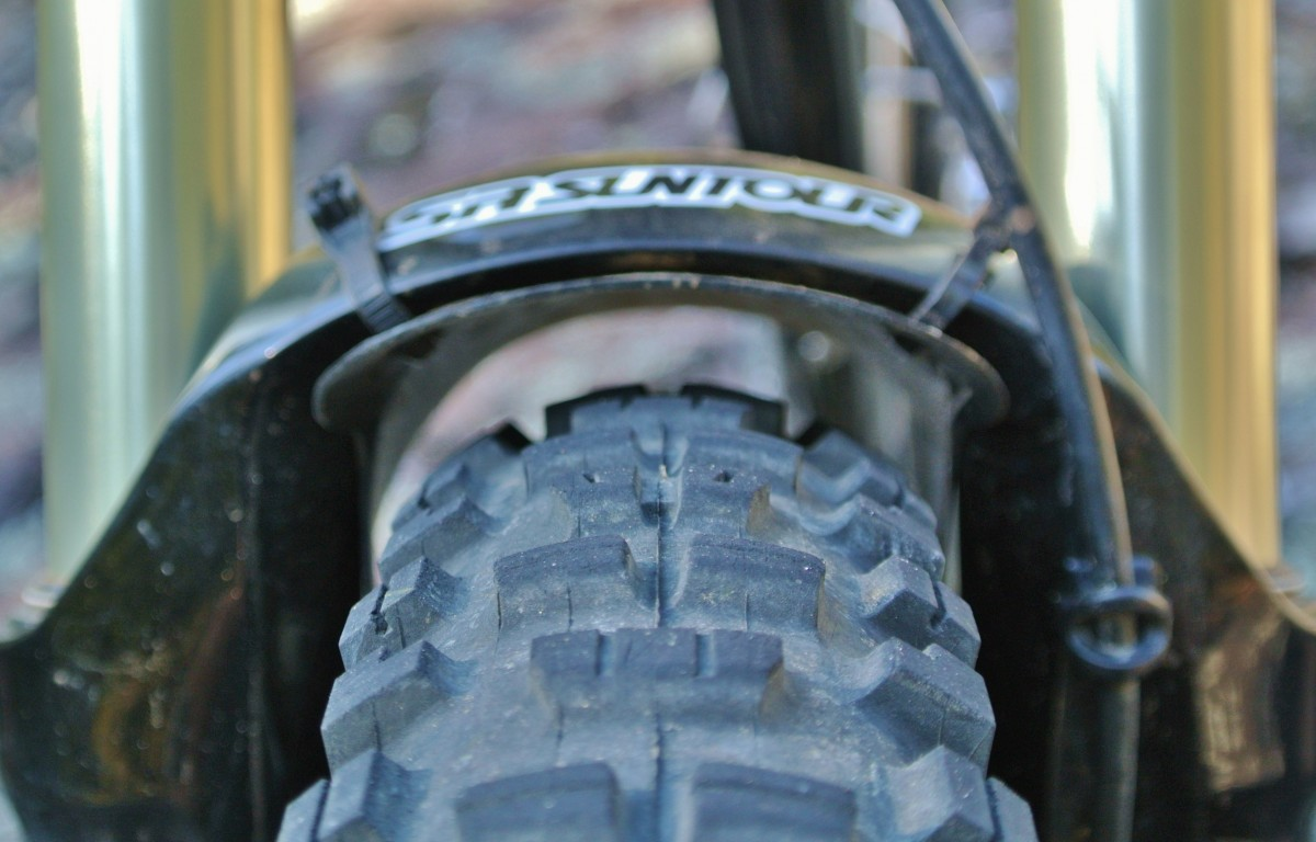 """Plenty of tire clearance at the arch; this is with a 2.30"""" Maxxis Minion DHRII on a very wide rim"""