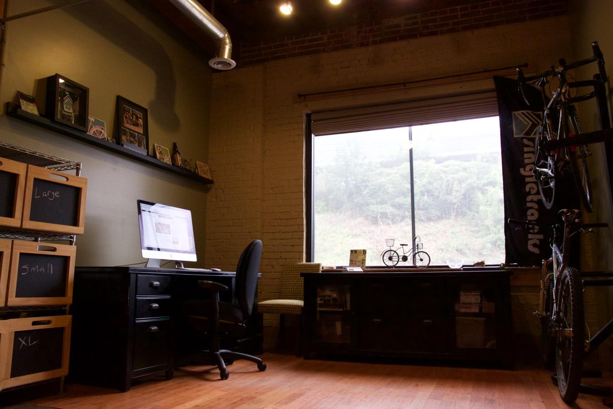 singletracks_office - 3