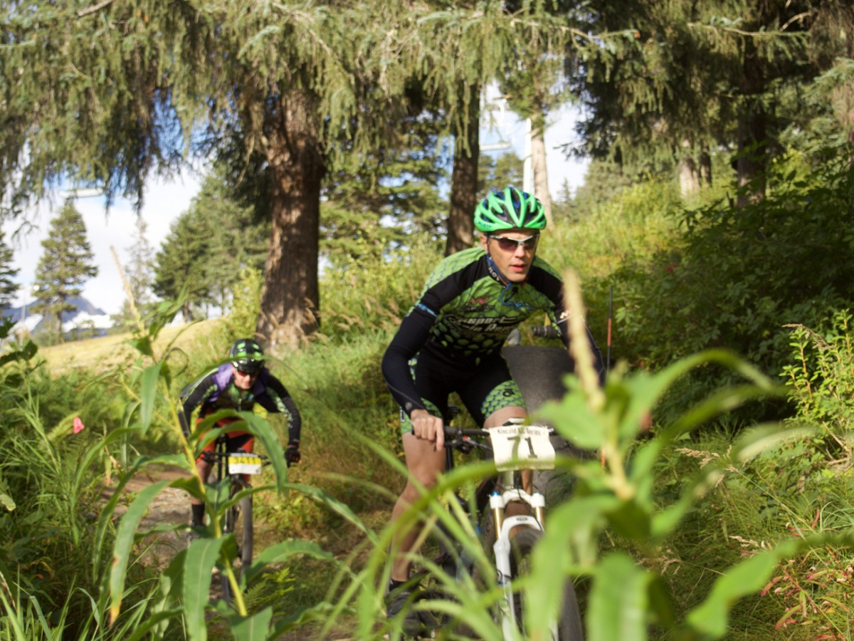 Weaving through the singletrack, riders stayed close for the entire event