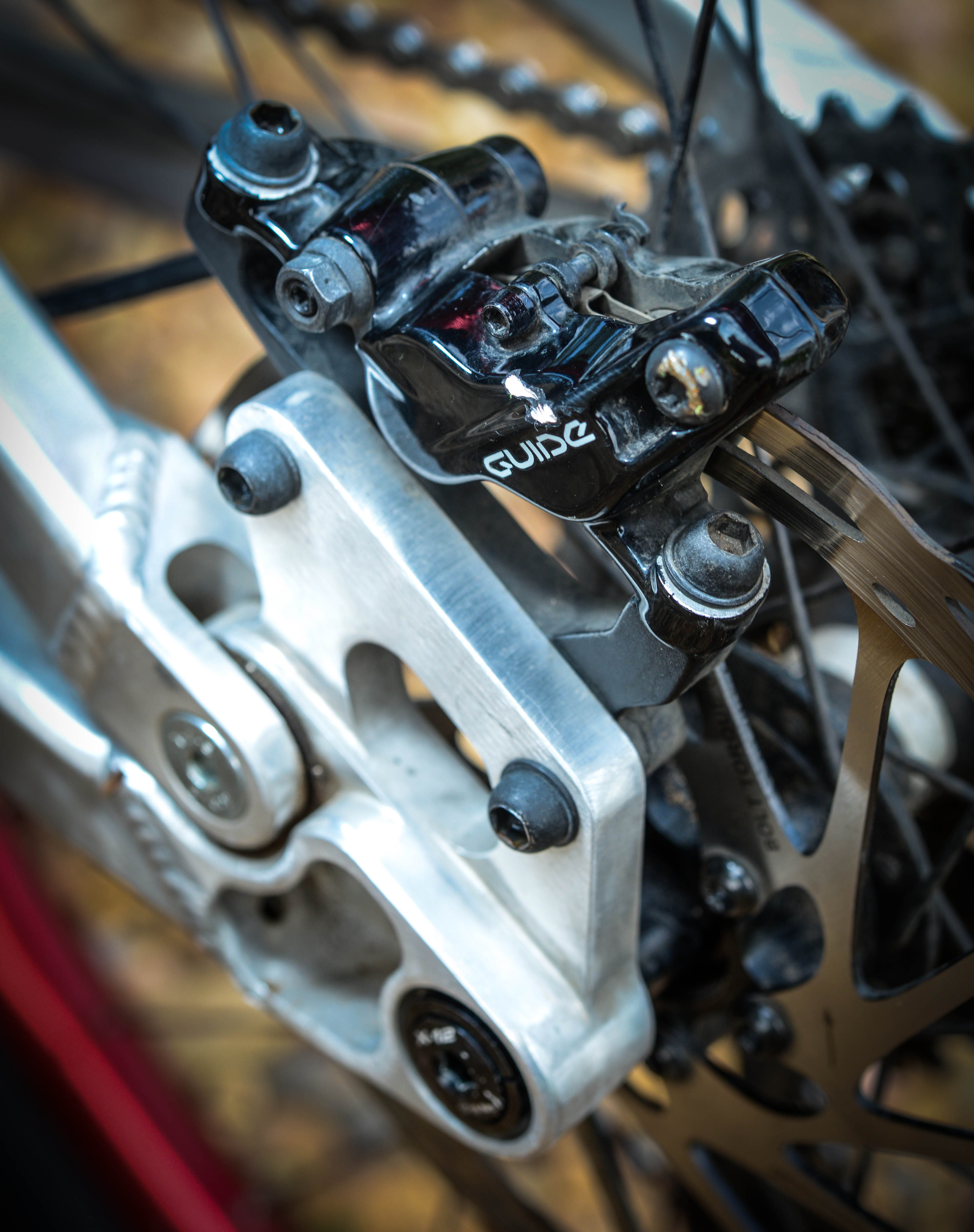 The rear linkage is the pinnacle of race-inspired engineering and keeps the piston tucked away nicely