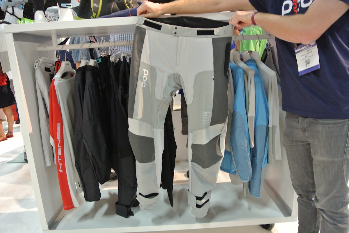 Resistance Strong pants