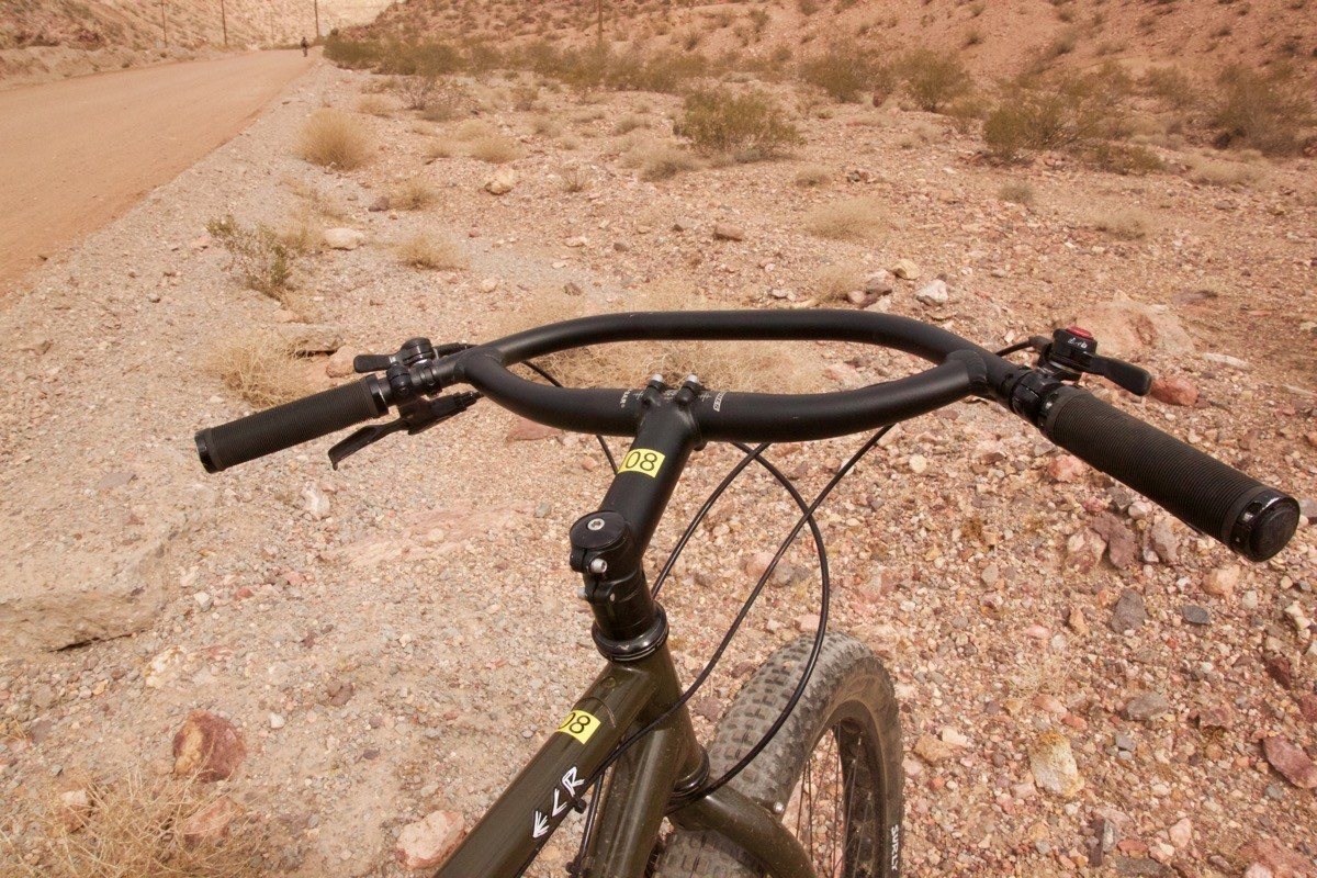 ee6c07aaacd How to Choose the Best MTB Handlebars  A Buyer s Guide ...