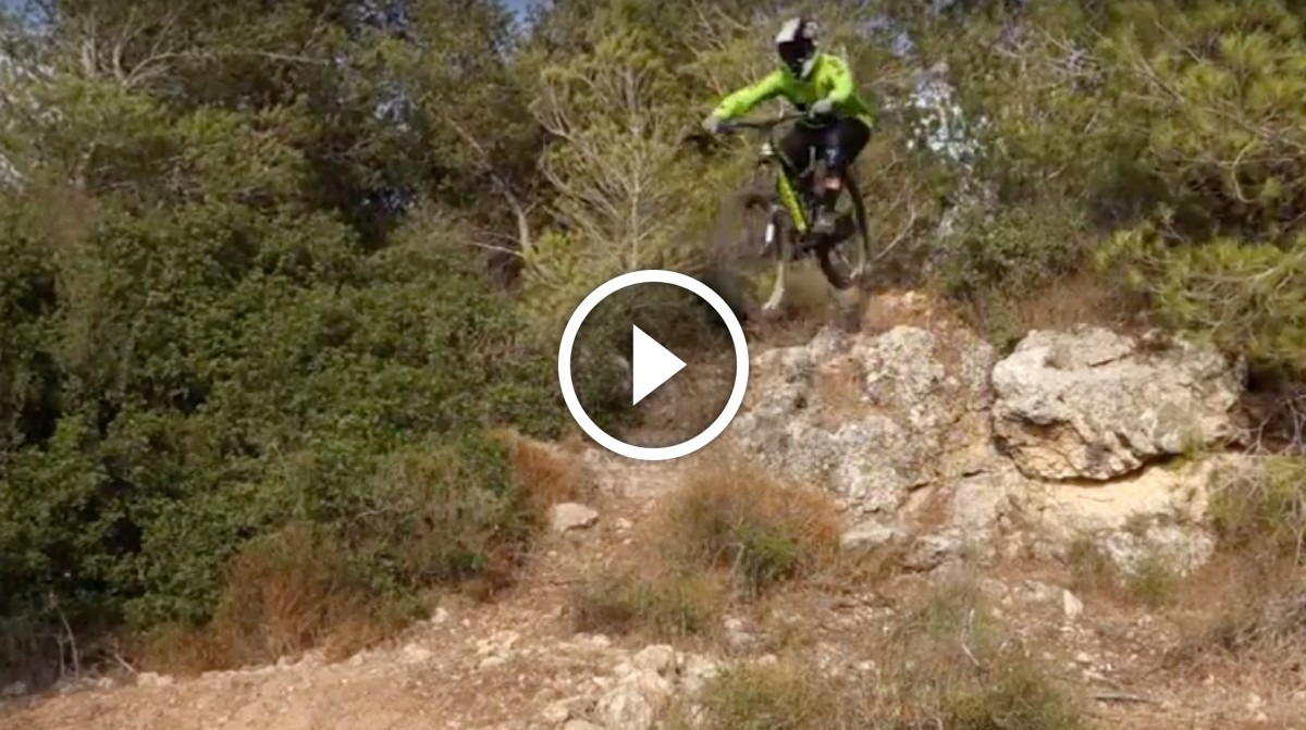 7884260b1a2f7 Video  How To Approach Big Drops - MTB Tips and Techniques ...
