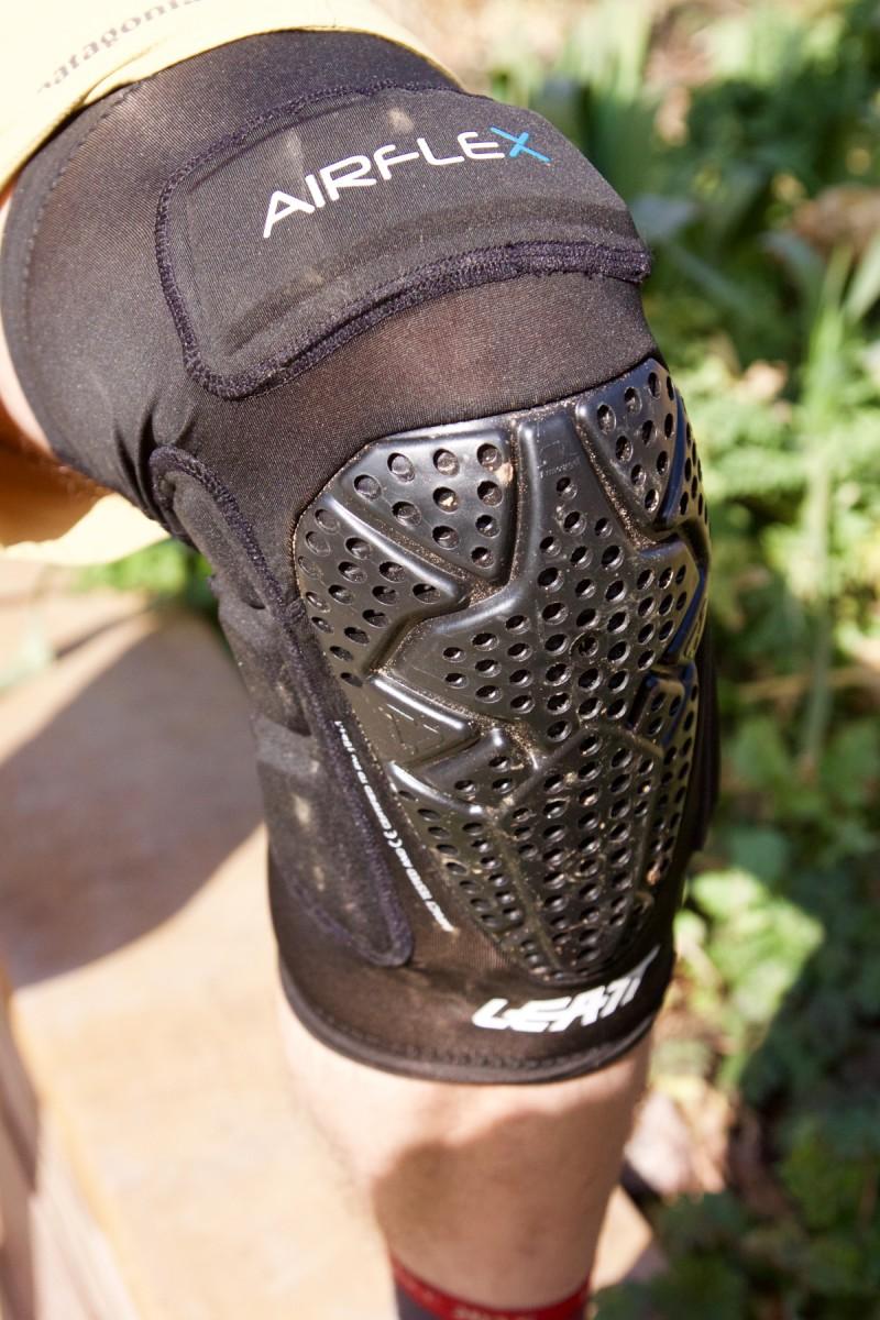 Leatt Airflex Pro Knee Guard Review Singletracks Mountain Bike News Protecor 3df 1
