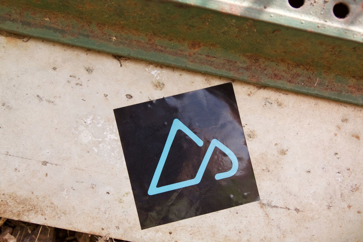singletracks_square_sticker