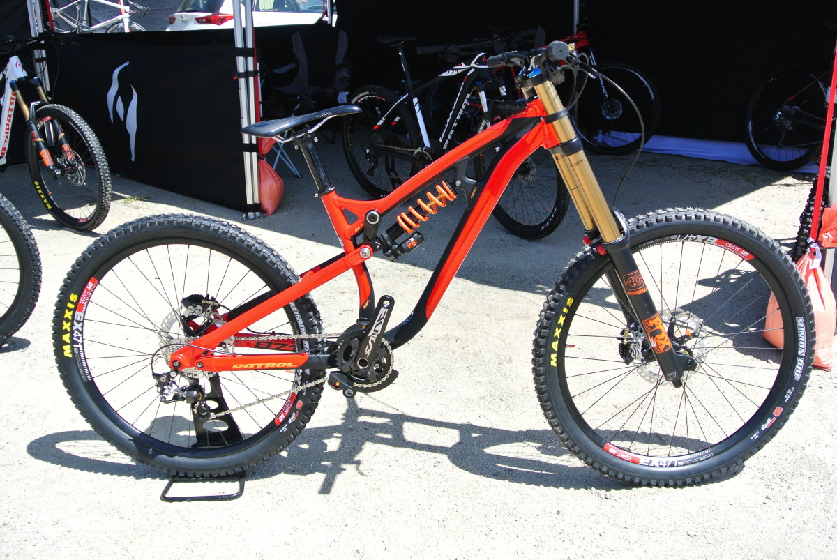 Patrol's DH bike, the 871 offers top end parts for mid -range money
