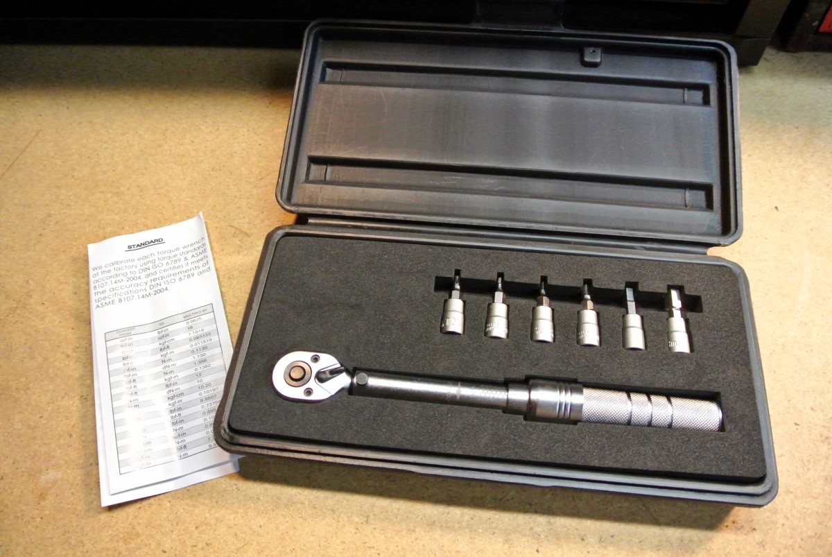 The Birzman torque wrench comes with a case and a helpful conversion chart