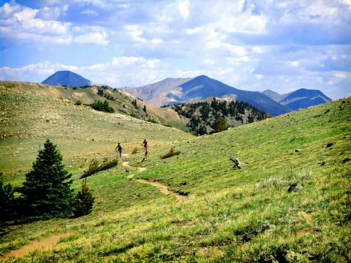 One of the best bike-legal portions of the Continental Divide Trail: the Monarch Crest in Colorado. The Tour Divide route passes close to here, but doesn't ride the Crest. Photo: Skoofer