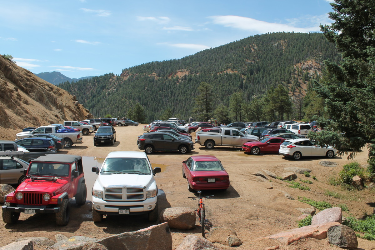 The main parking at the juncture of High Drive, Gold Camp Road and Cheyenne Canyon gets crowded on weekends. Go early, or better yet, just rid here via your choice of other area roads and trails.