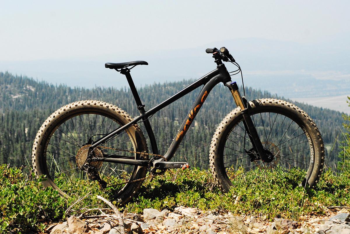 27 5 plus hardtail singletracks mountain bike news. Black Bedroom Furniture Sets. Home Design Ideas