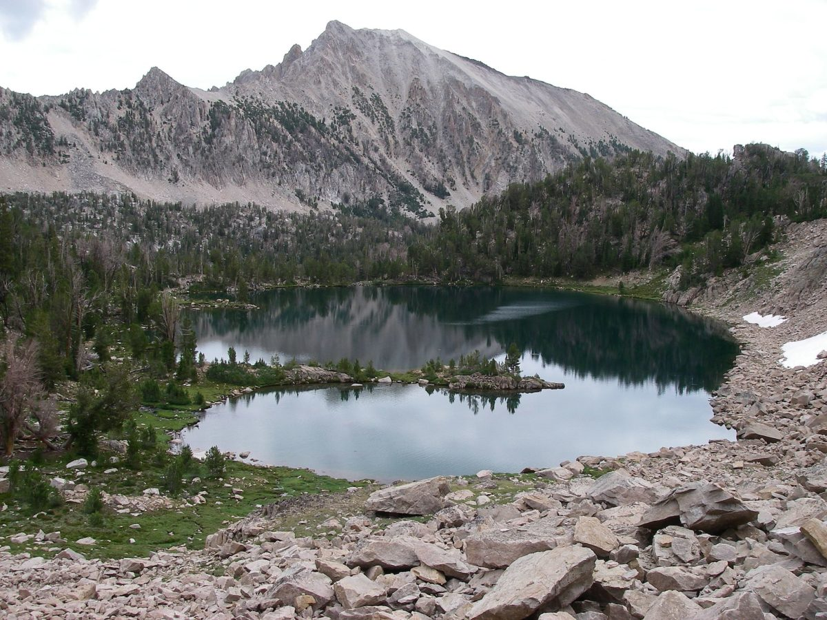 Scoop lake in the White Clouds Wilderness. We saw nothing resembling this terrain during my time in Sun Valley. Photo by Leaflet, via the Wikimedia Commons.