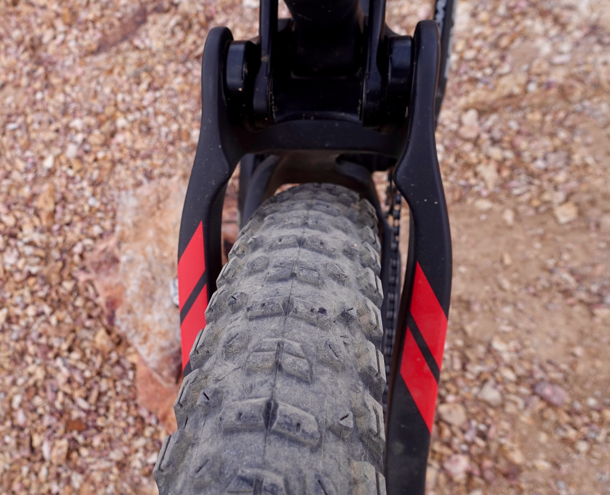 Pivot's 27 5+/29 Switchblade Proves Many Other Brands Wrong - A Test