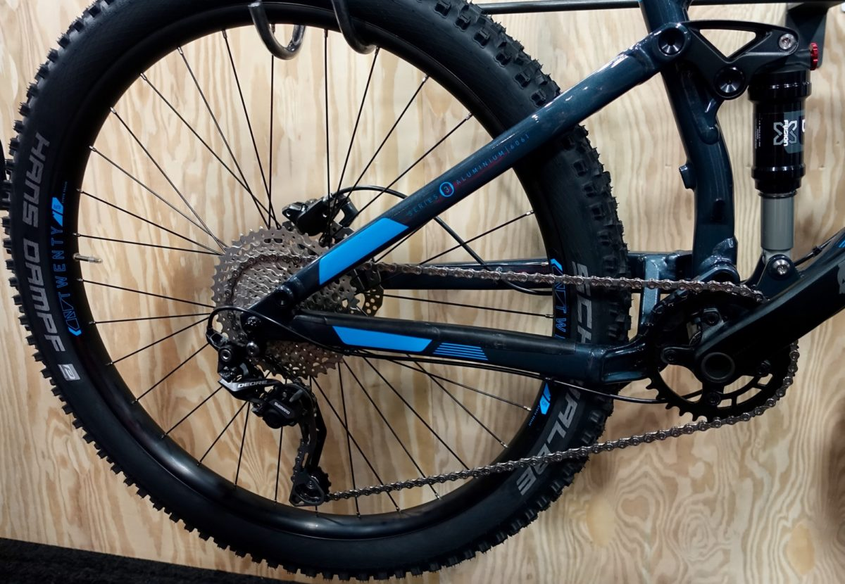 A narrow-wide chainring, clutch-style rear derailleur, and aggressive tires are just a few highlights of the Hawk Hill's build kit.
